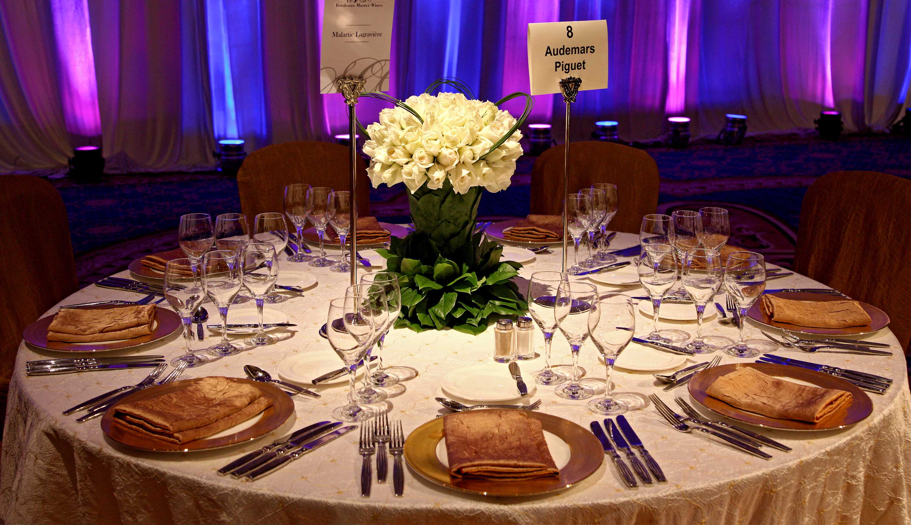 banquet-table-setting